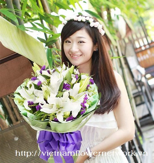love flower delivery to Vietnam