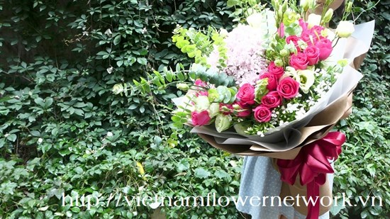Advantages of online flower delivery in Vietnam